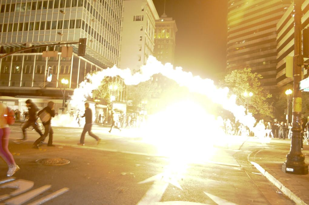 VIDEO, PHOTOS: Occupy Oakland protesters clash with riot police