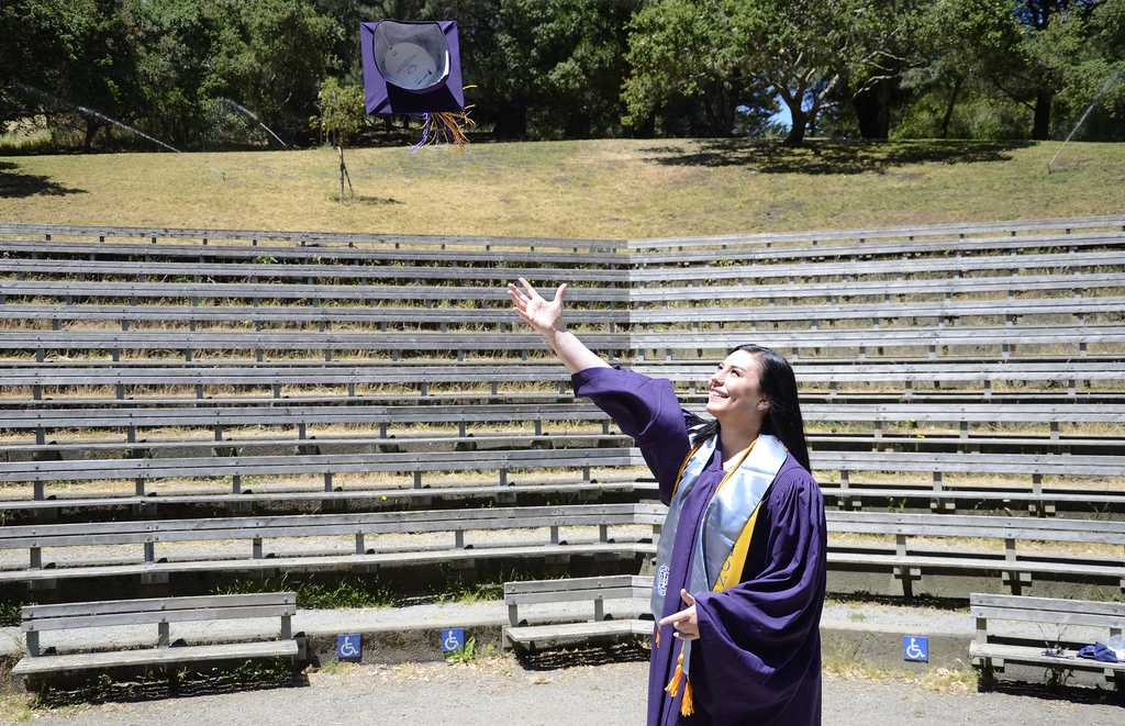 Psychology graduates get alternative ceremony