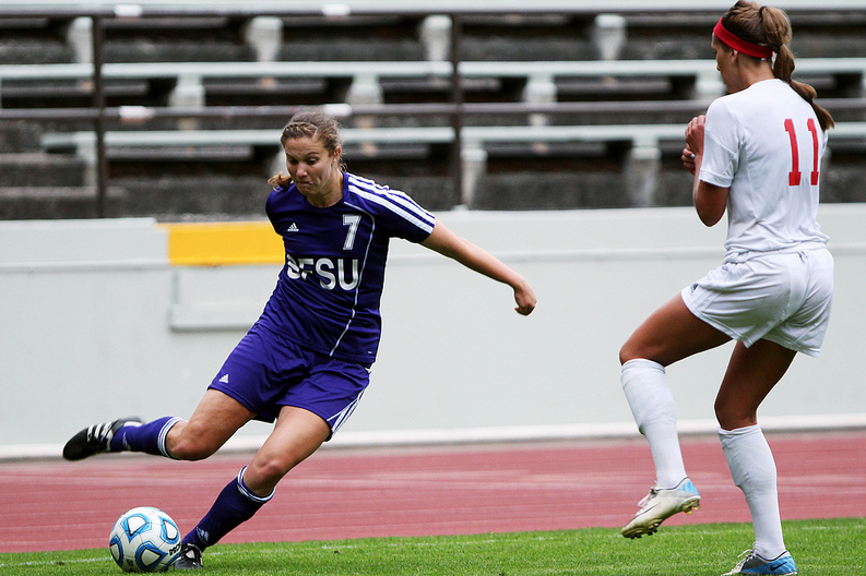 Women's soccer unravels in tough conference game