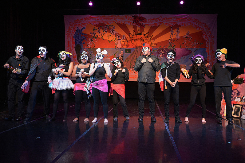 Comedic play brings humor to Day of the Dead celebrations