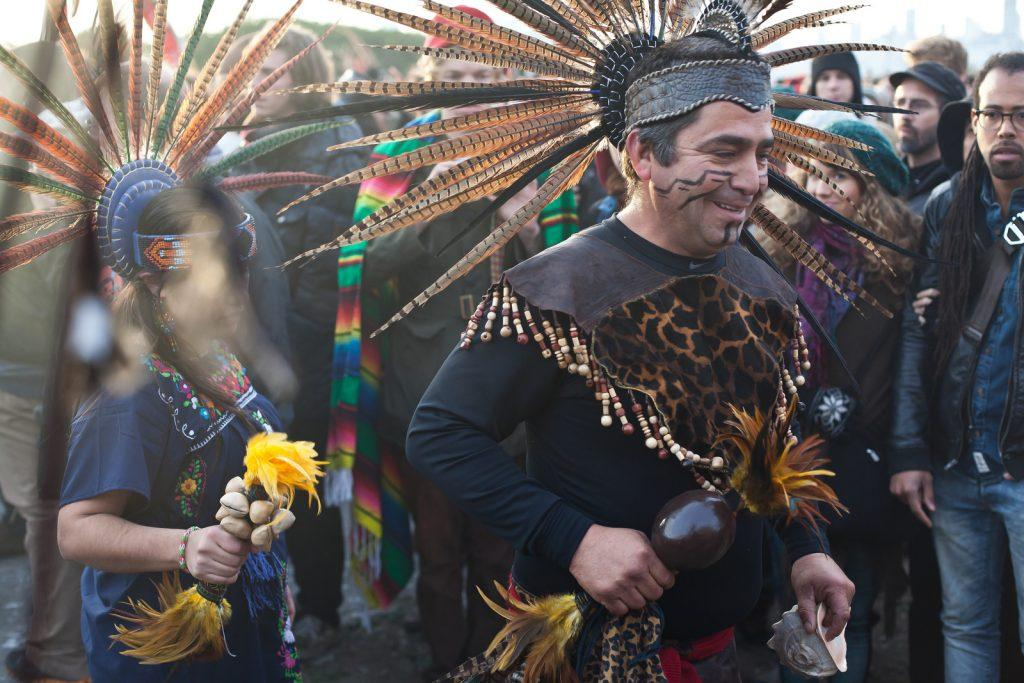 Thousands sail to Alcatraz to commemorate Native American activists