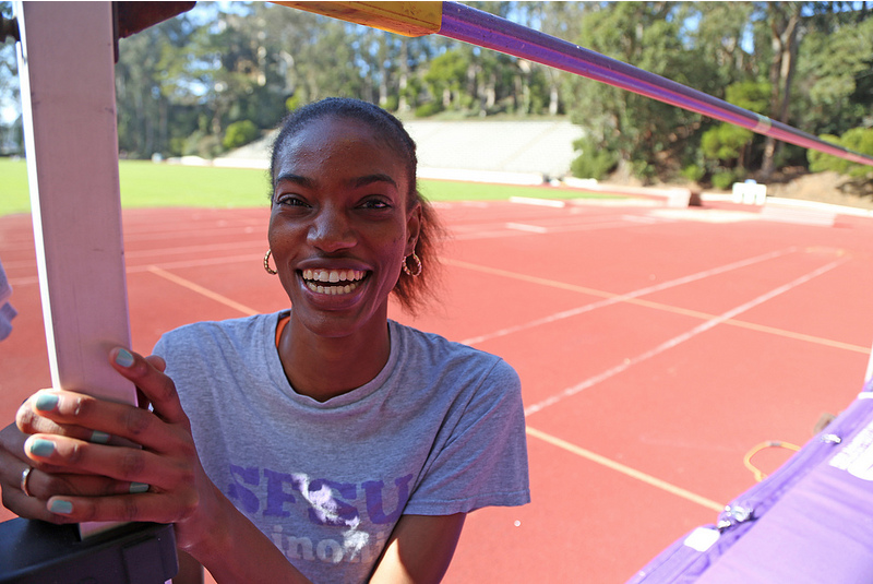 Track and field senior overcomes fear, breaks record