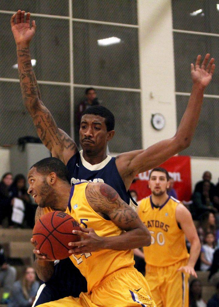 Men's basketball locks down Cal State Monterey Bay, clinches tournament spot