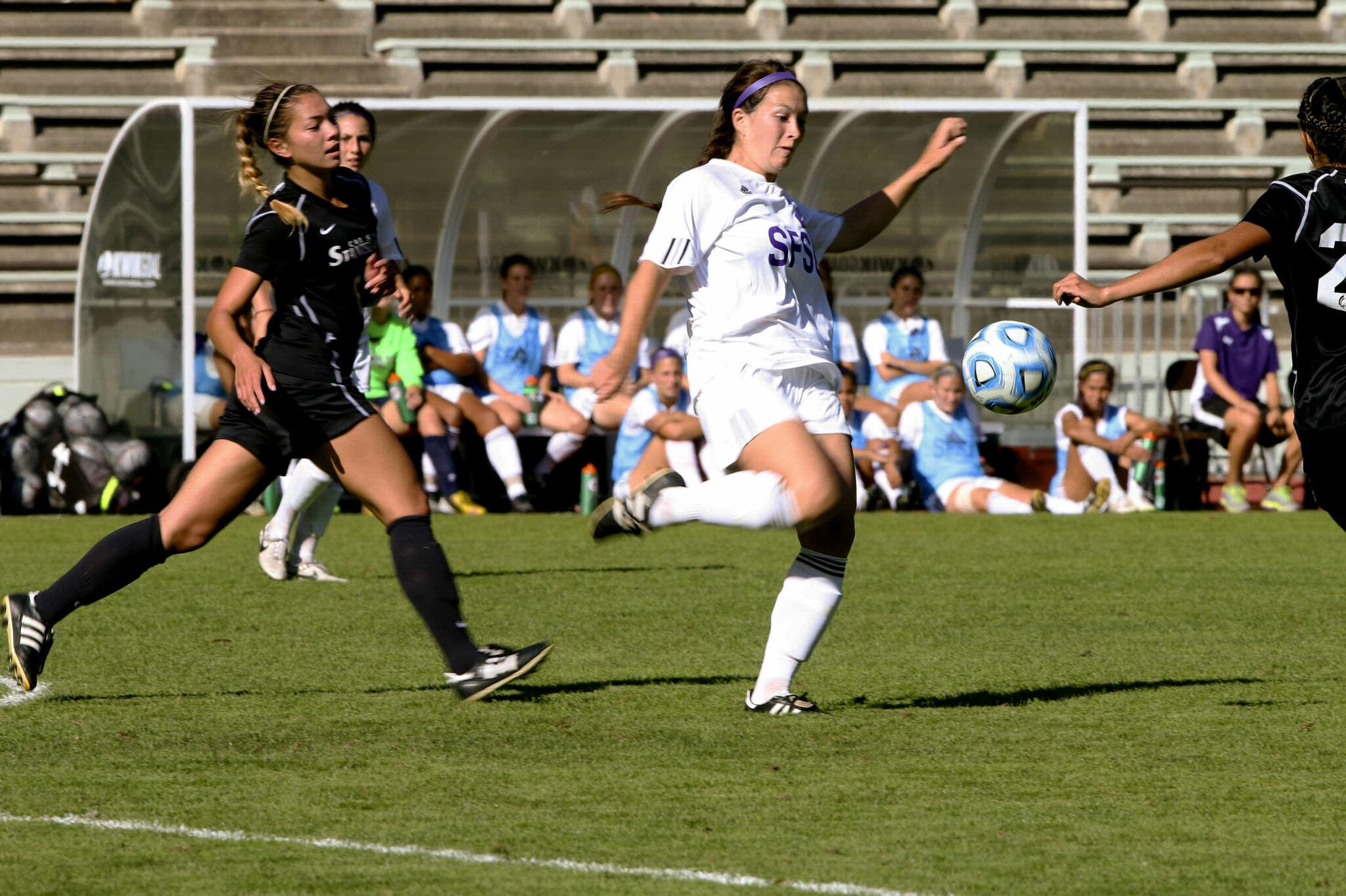 Women's soccer team end winning streak with first loss of the season to Stanislaus
