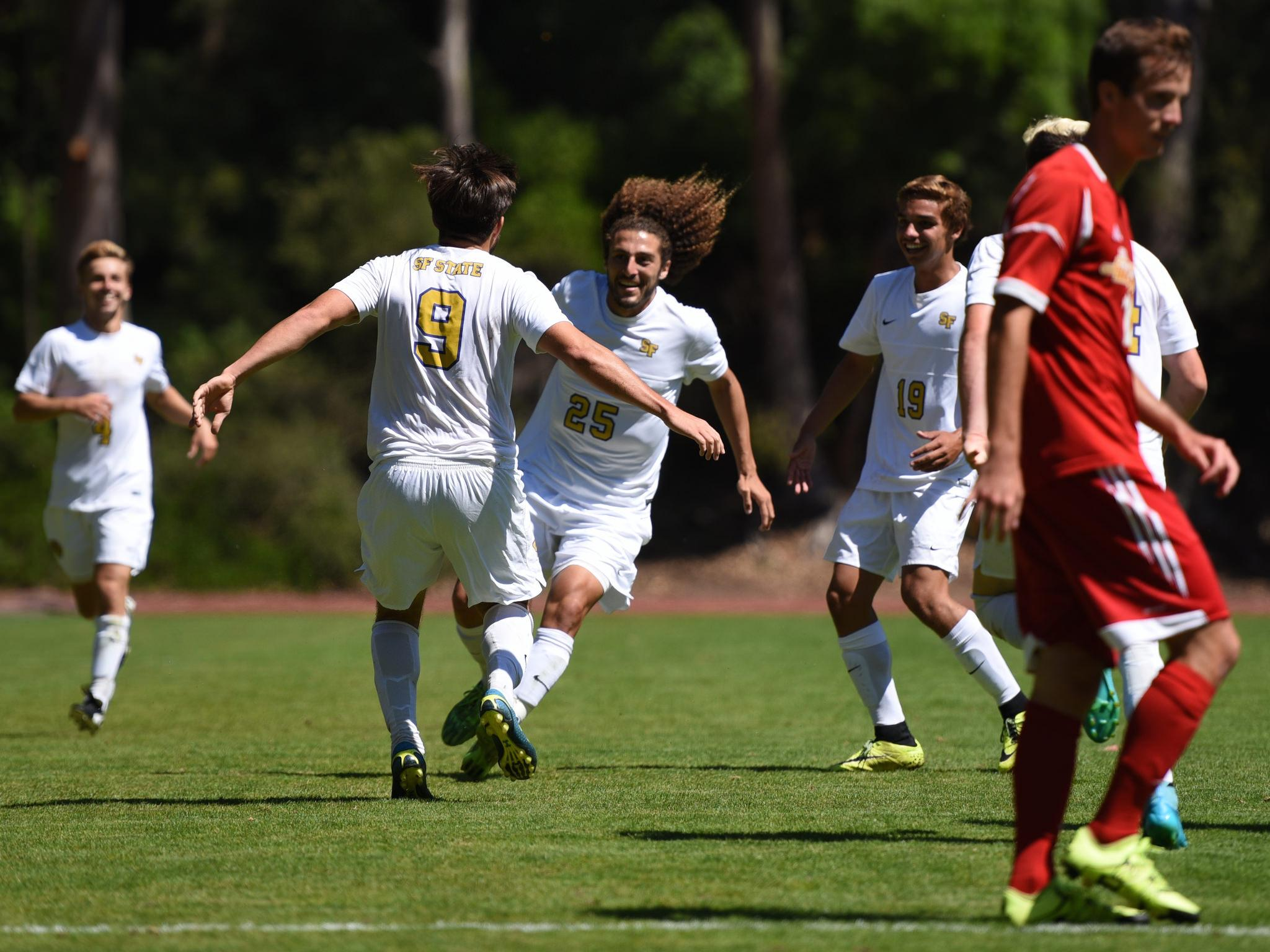 Mens soccer team scores win during first game of the season