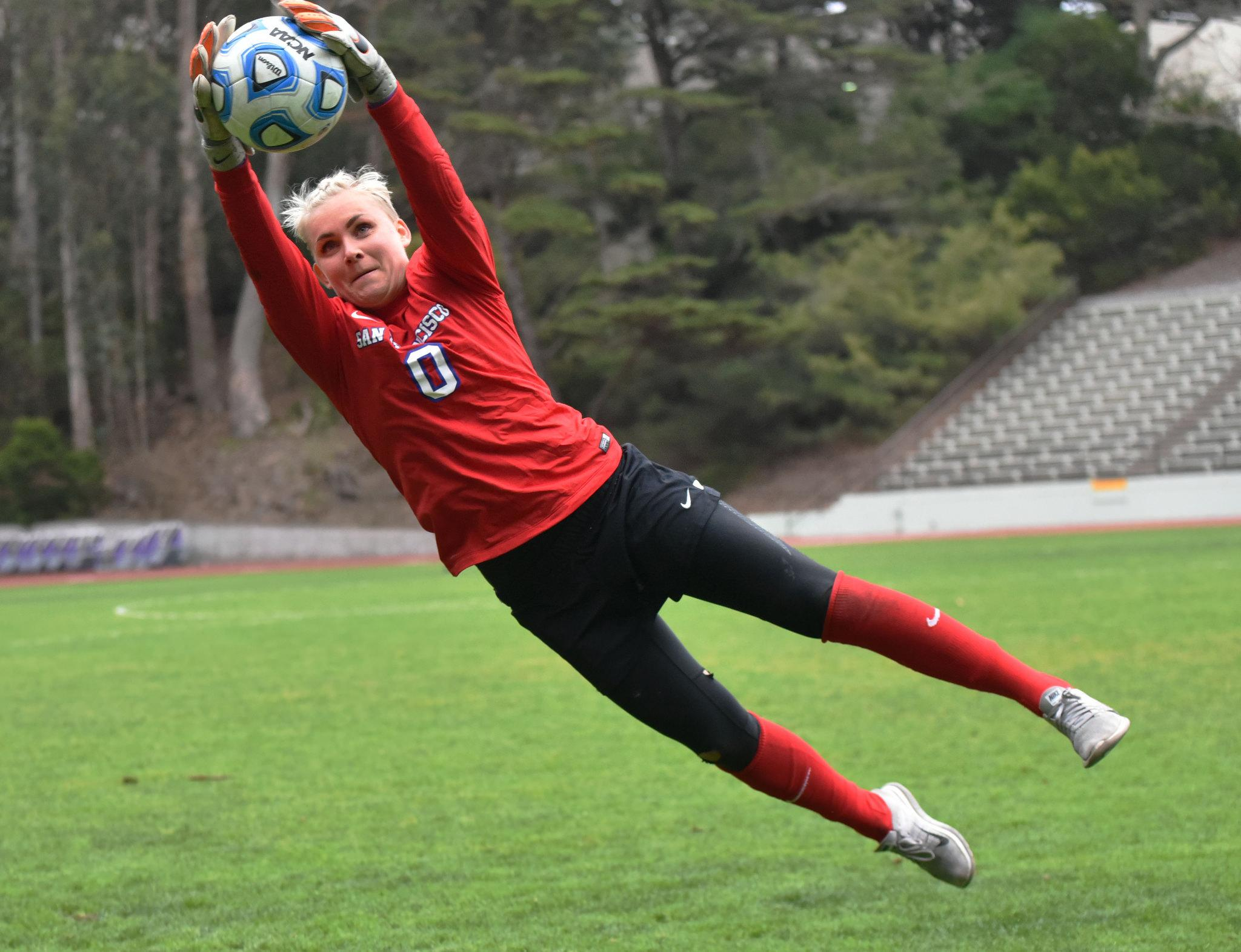 Karin Nordin, goalie of SF State Gators, practices at Cox Stadium at SF State Tuesday, Sep.22. (Qing Huang / Xpress)