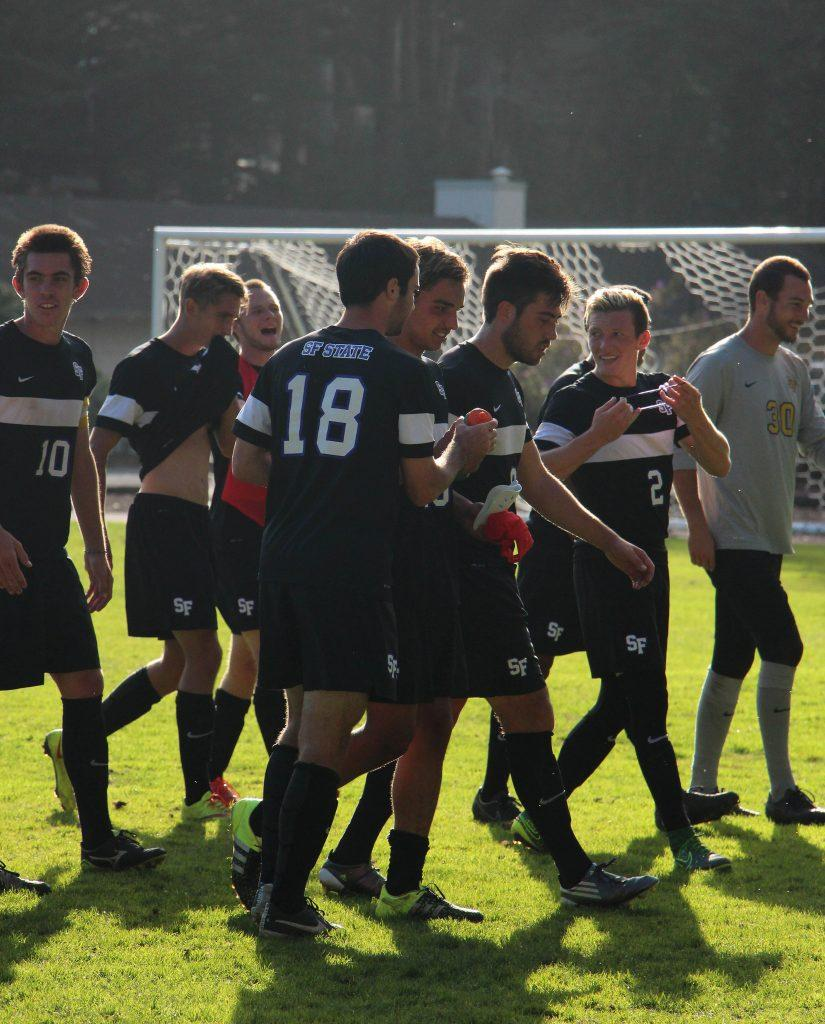 The+SF+State+mens+soccer+team+walks+the+field+with+pride+after+beating+the+Cal+Poly+Broncos+1-0+at+Cox+Stadium+Sunday%2C+Oct.+25%2C+2015.+%28Alex+Kofman+%2F+Xpress%29