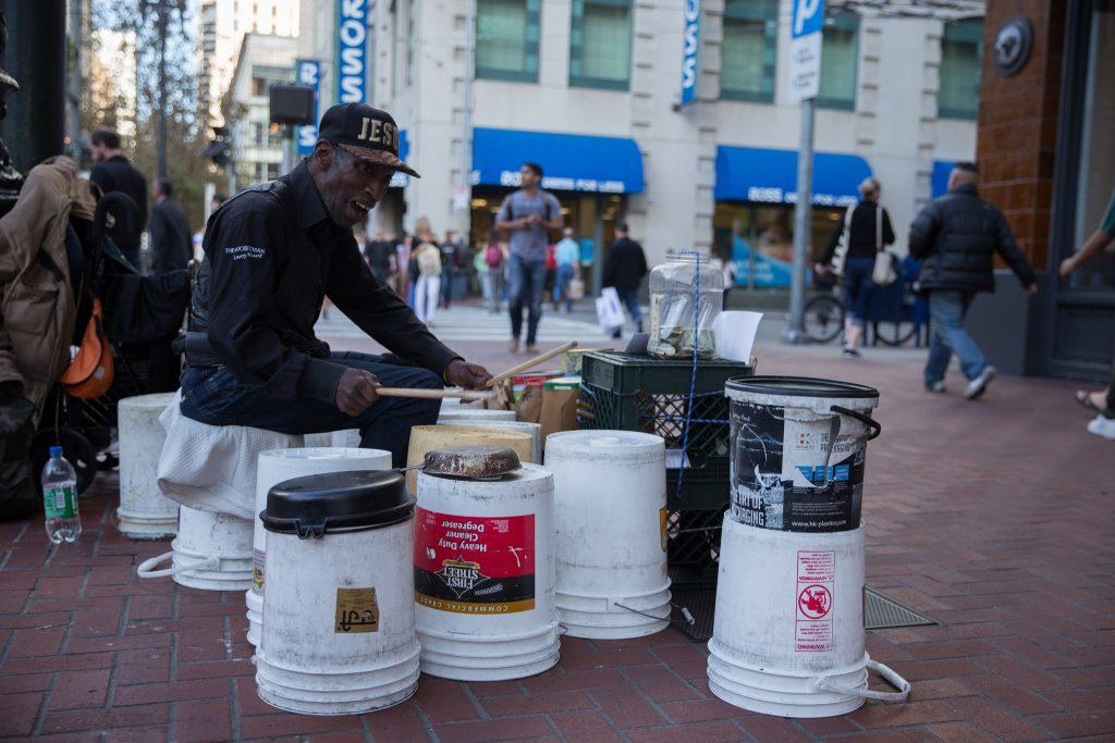Larry+%22Bucket+Man%22+Hunt+drums+on+plastic+buckets+at+the+corner+of+Market+and+4th+Street+in+San+Francisco%2C+Tuesday%2C+Oct.+6%2C+2015.+%28Brian+Churchwell+%2F+Xpress%29
