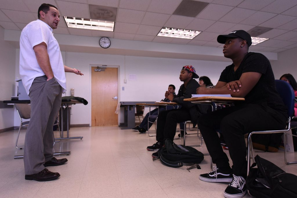 Larry Salomon, a lecturer for SF State's Ethnic Studies Program, speaks to his Critical Thinking in Ethnic Studies class about its upcoming final in Burk Hall Tuesday, Dec 8. (David Henry / Xpress)