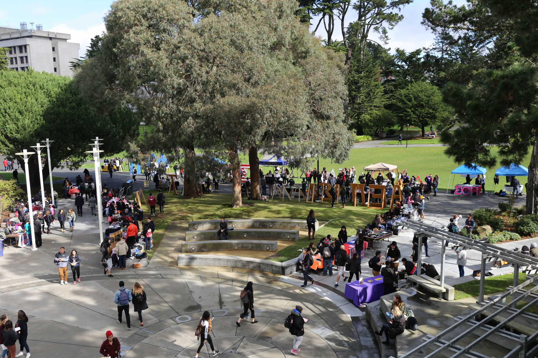 SF State organizations gather at Malcolm X Plaza to recruit potential members at SF State on Tuesday Feb. 2, 2016. (Aleah Fajardo/Xpress)