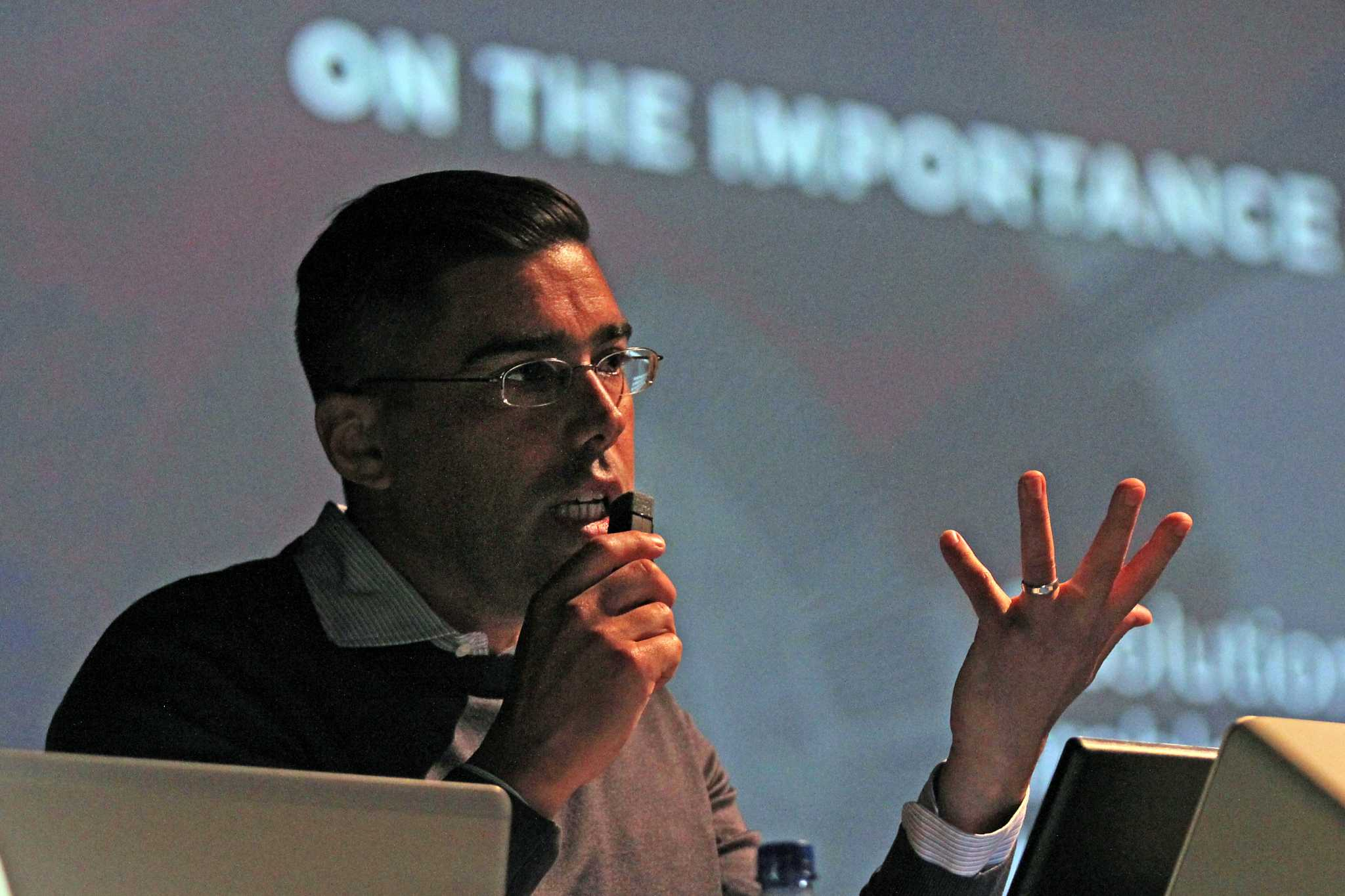 Election course tackles presidential race