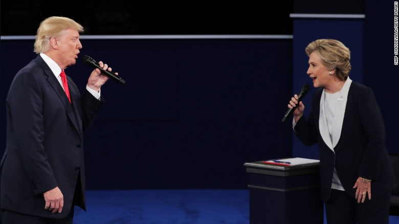 Trump avoids addressing sexist tape in second debate