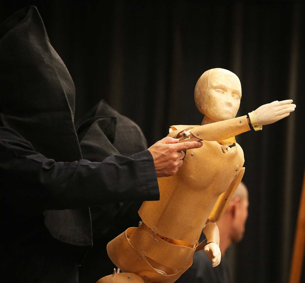 Japanese Bunraku puppeteer company Kanroku and the Mokugu-sha perform to a packed audience at SF State on Tuesday, Oct. 25, 2016. SF State's Dilena Takeyama Center for the Study of Japan and Japanese Culture hosted the Bunraku event. (Lauren Saldana/Xpress)