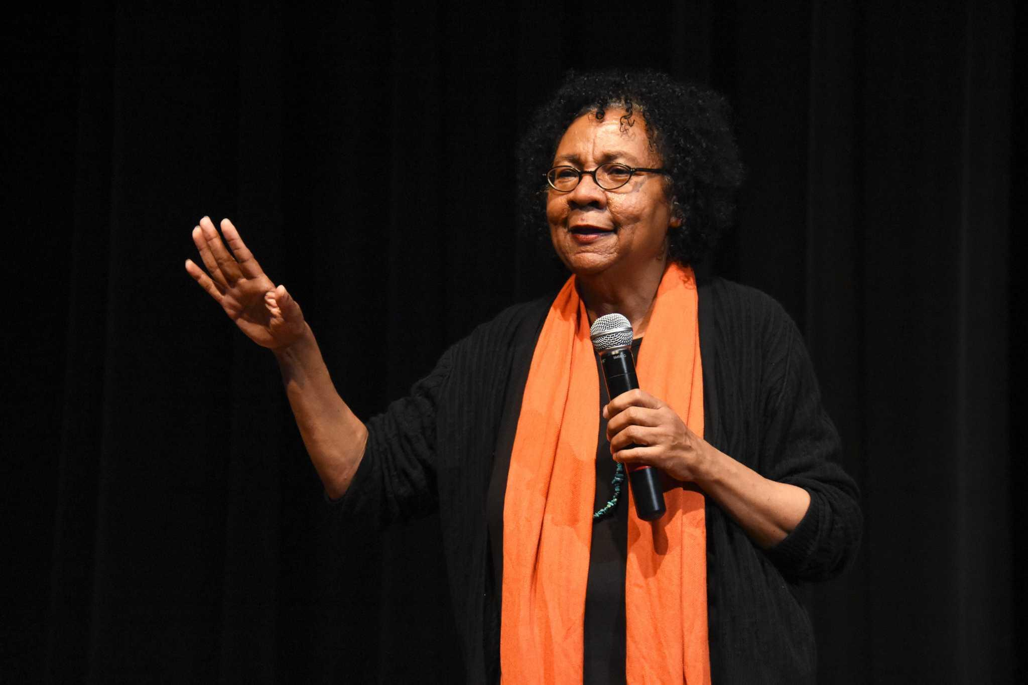 Author and social activist Bell Hooks gives a talk at Jack Adams Hall at SF State on February 20, 2017 (Tate Drucker/Xpress).