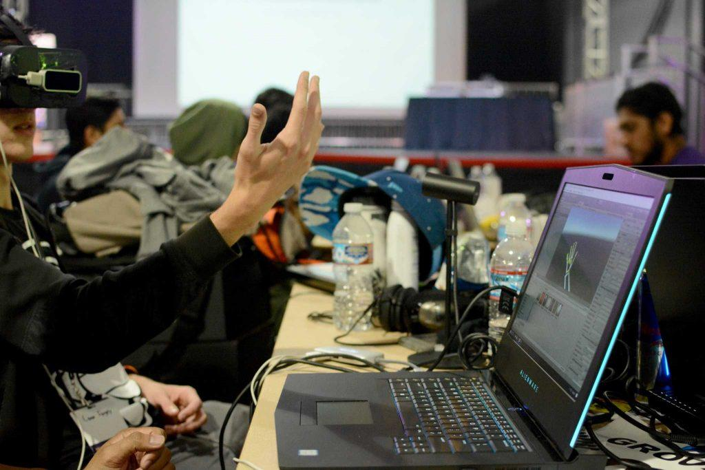 Hundreds of students gathered at the Annex at SF State to participate in the first-ever SF Hacks on Saturday, March 19 in San Francisco, Calif. (Aaron Levy-Wolins/Xpress)