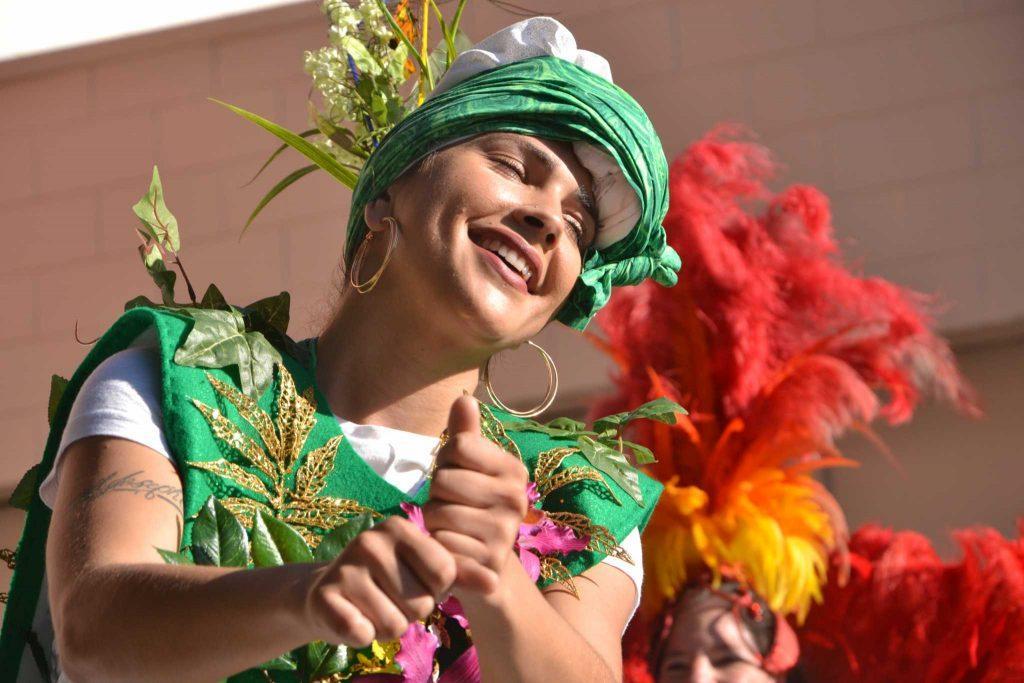 Escola Nova Samba dances at the Calle 24 Fiesta De Las Americas, on Sunday Sept. 17, 2017. (Golden Gate Xpress/Cristabell FIerros)