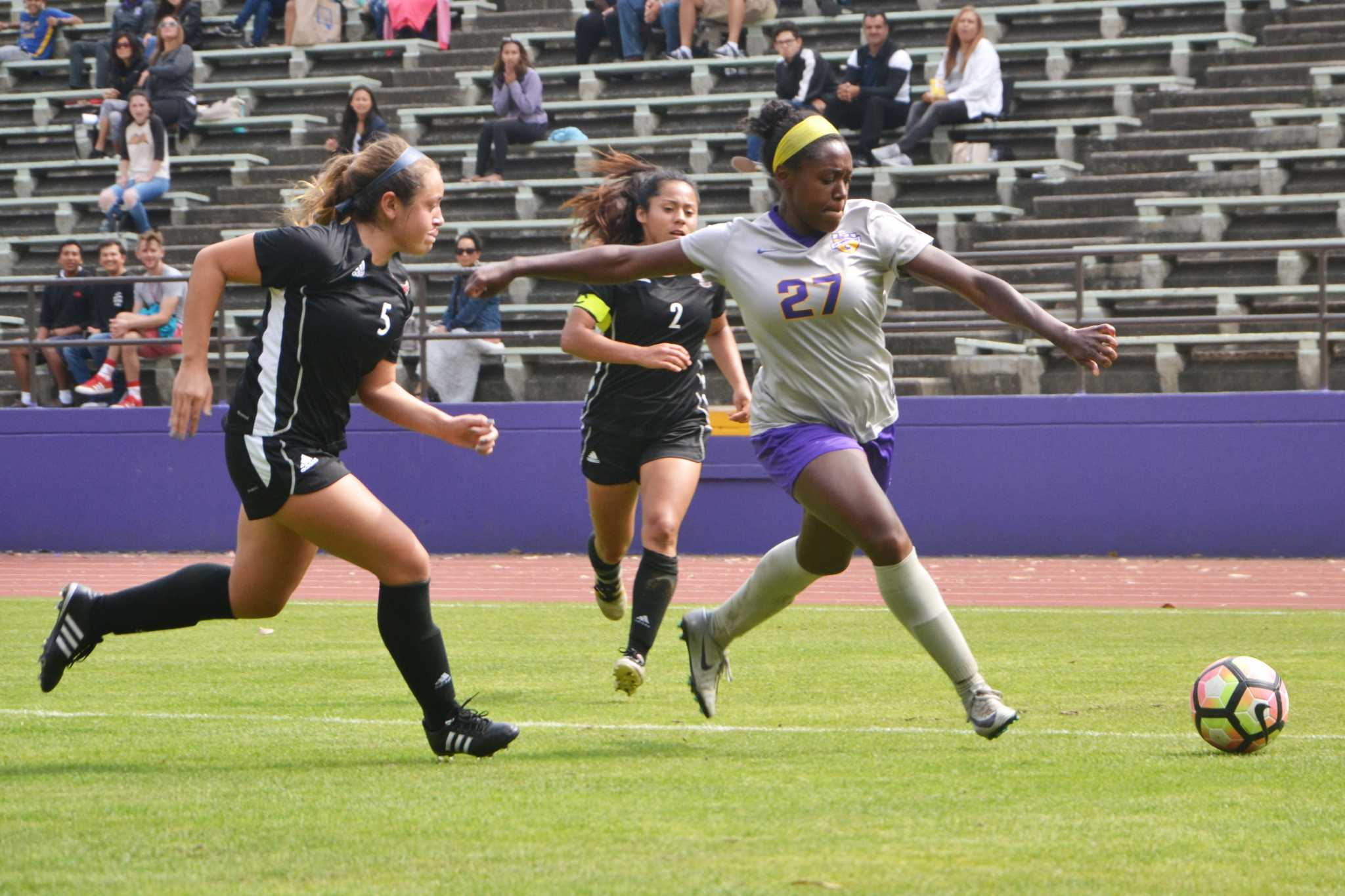 Bianca Lowe (#27) scores a goal during the first half of the women's soccer game against Holy Names University at SF State's Cox Stadium on Saturday, September 16, 2017. (Golden Gate Xpress/Cristabell Fierros)
