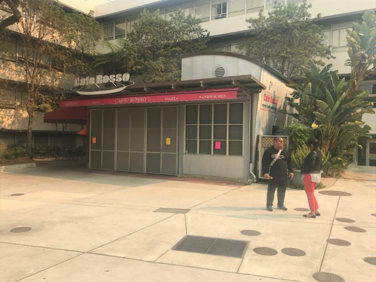 Cafe Rosso shuttered its doors due to the smoke blanketing the Bay Area. (Janel Jackson-Oliver/Golden Gate Xpress)