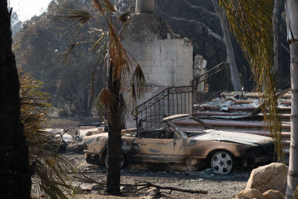 North+Bay+wildfires+leave+behind+destruction+near+Parker+Hill+Road+in+Santa+Rosa+on+Friday%2C+Oct.+13%2C+2017.+%28Sarahbeth+Maney%2FGolden+Gate+Xpress%29