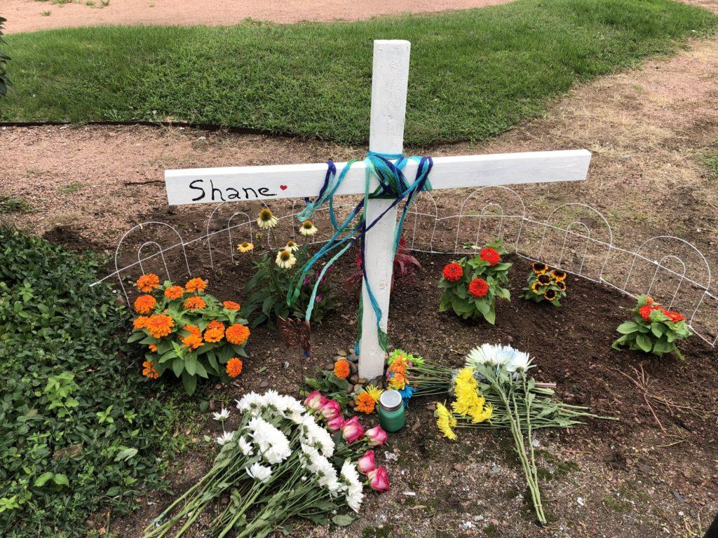 A memorial to Shane Colombo is placed at Clyde Avenue and Clark Street in Chicago on Sept. 7 near the site where the SF grad was killed by crossfire on Sept. 2. (Photo courtesy of Vincent Perez)