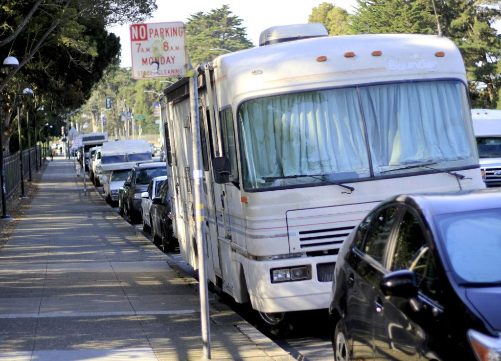 Various mobile homes line the streets of Winston Drive and Lake Merced Boulevard near SF State on Aug. 29, 2018. (Lindsey Moore/Golden Gate Xpress)