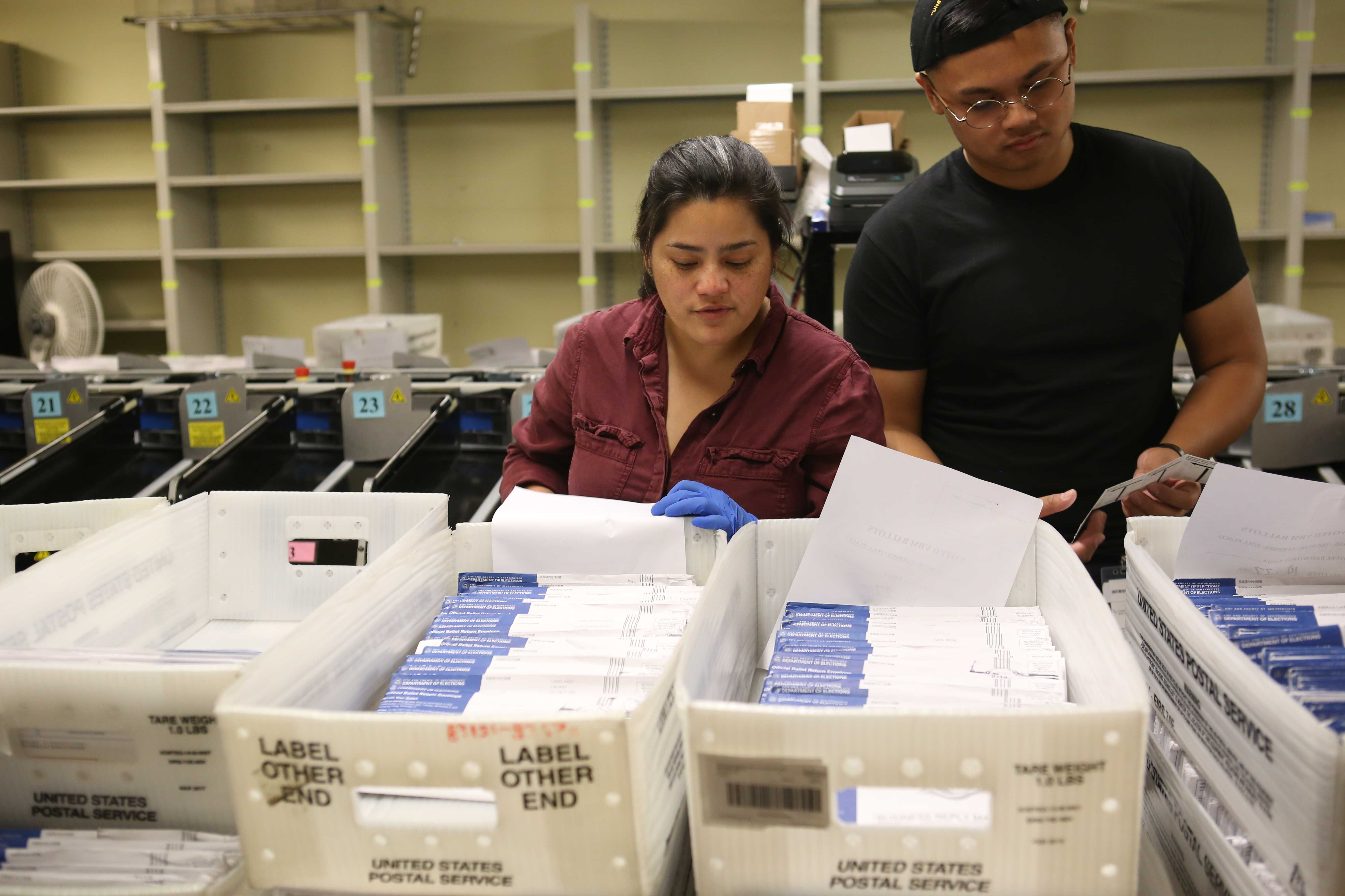 Early voting takes place at City Hall in San Francisco, Calif. on Saturday, October 27th, 2018. (Mira Laing/Golden Gate Xpress)