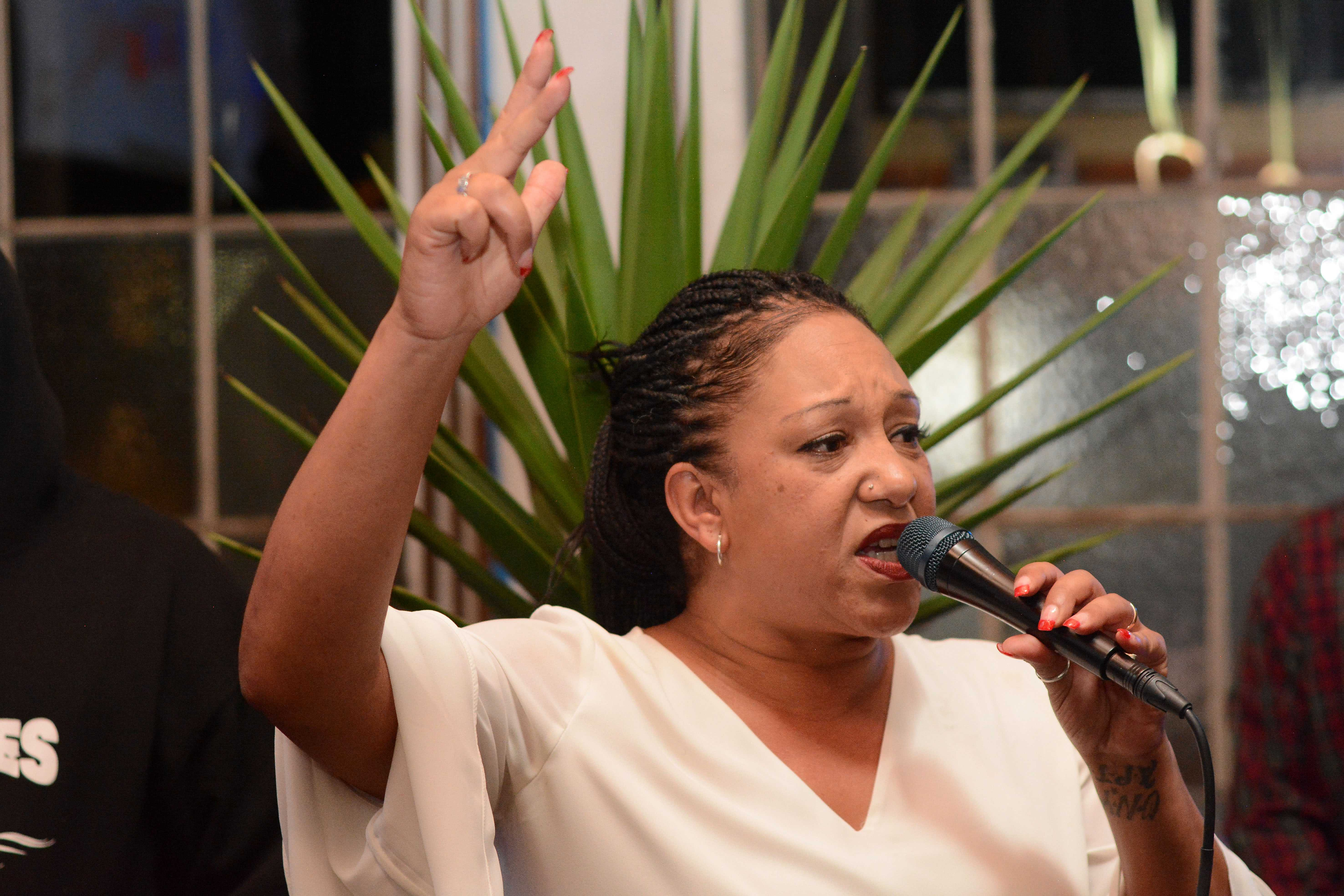 Oakland mayoral candidate Cat Brooks makes a short speech, thanking her supporters for their help over the last six months, at a watch party for Brooks at Red Bay Coffee in Oakland, Calif. on Tuesday, Nov. 6, 2018. Brooks, a community-based activist, faces incumbent Libby Schaaf in the race for Mayor of Oakland. (Aaron Levy-Wolins/Golden Gate Xpress)
