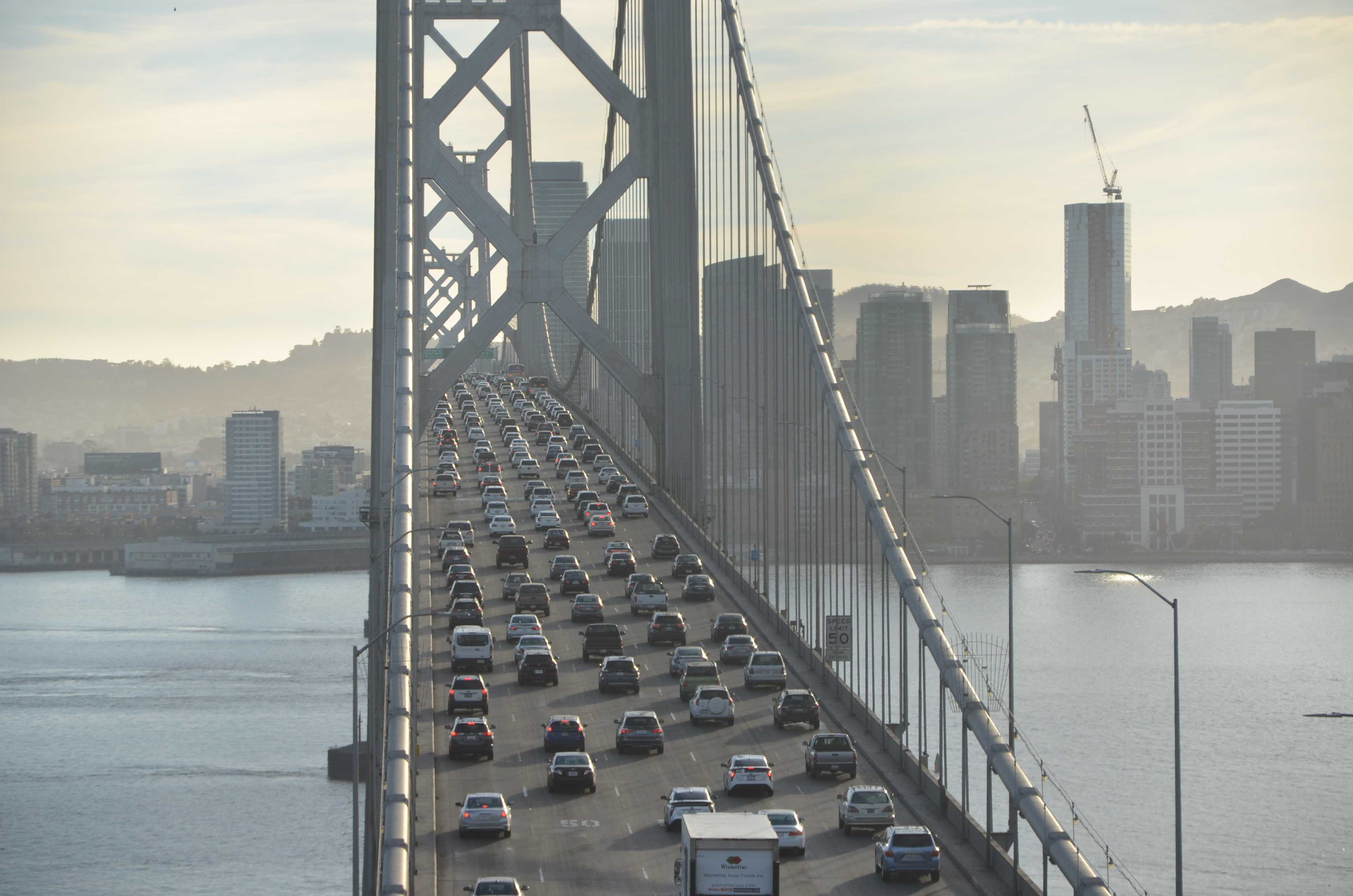 The traffic caused by commuters starts around 4 p.m. and lasts until around 6 p.m. A large contribution is due to the influx of commuters living in the city. (Nicole Newman/Golden Gate Xpress)