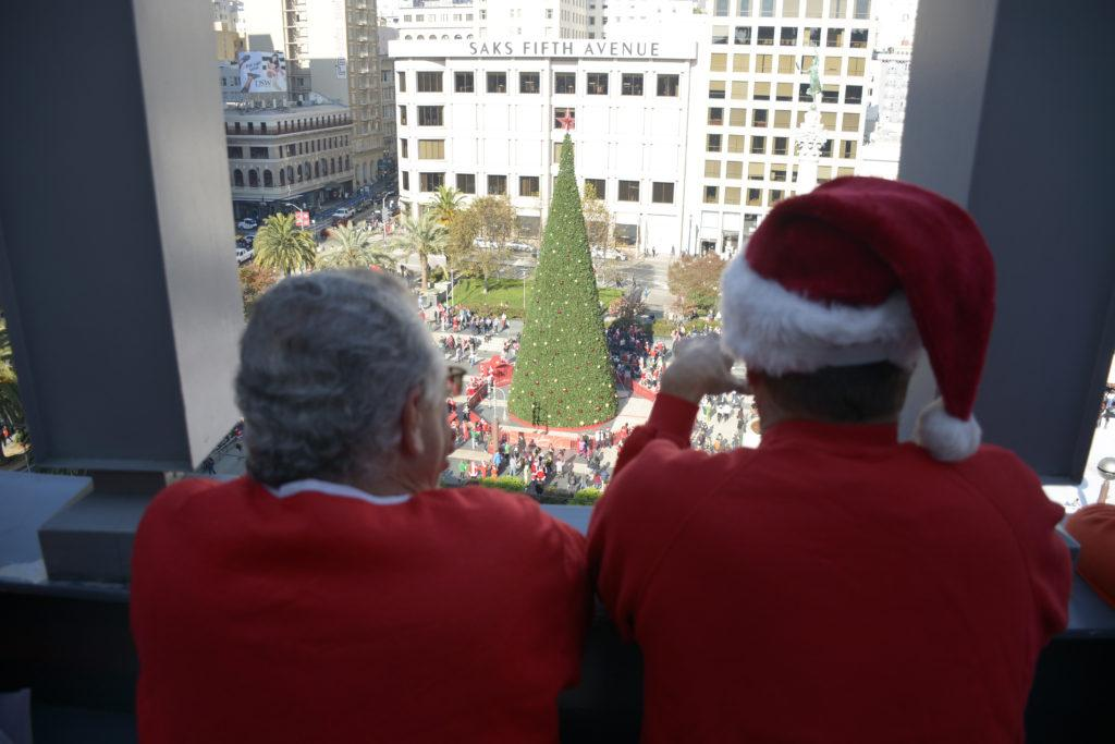 Hundreds+of+people+dressed+up+as+Santa+Claus+and+gathered+at+Union+Square+for+SantaCon+on+Saturday%2C+December+8th%2C+2018.+%28Tristen+Rowean%2FGolden+Gate+Xpress%29