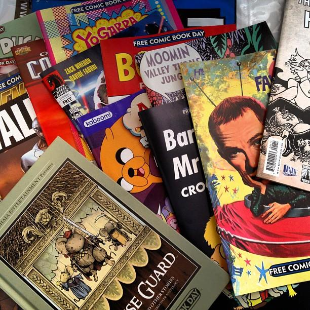 Inauguration of 1,000-comic-book archive