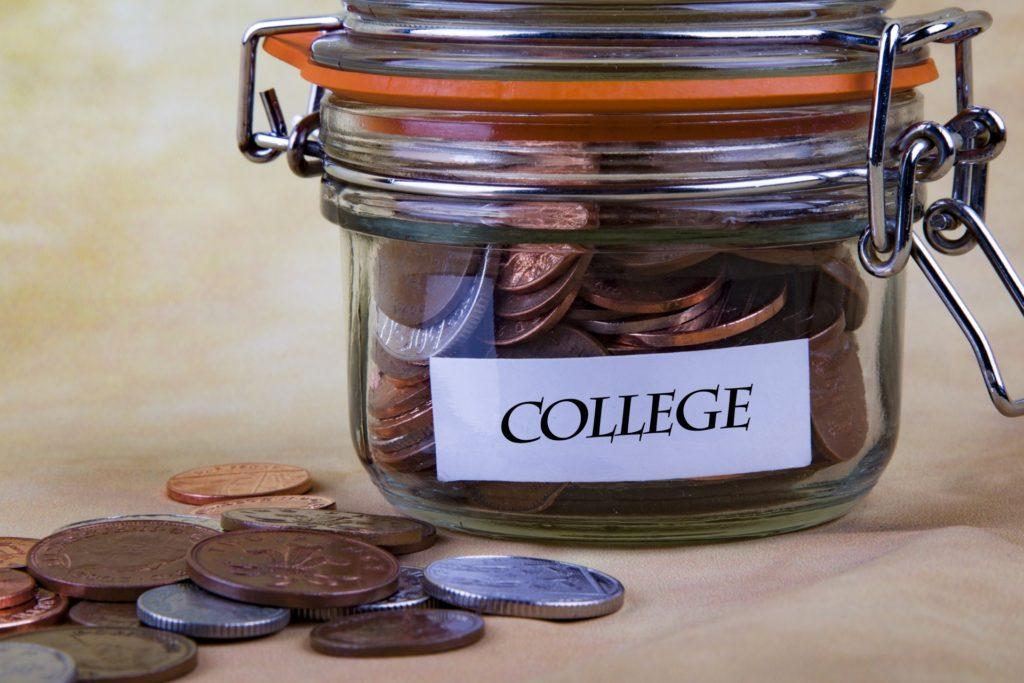 Committee proposes pay-per-credit tuition