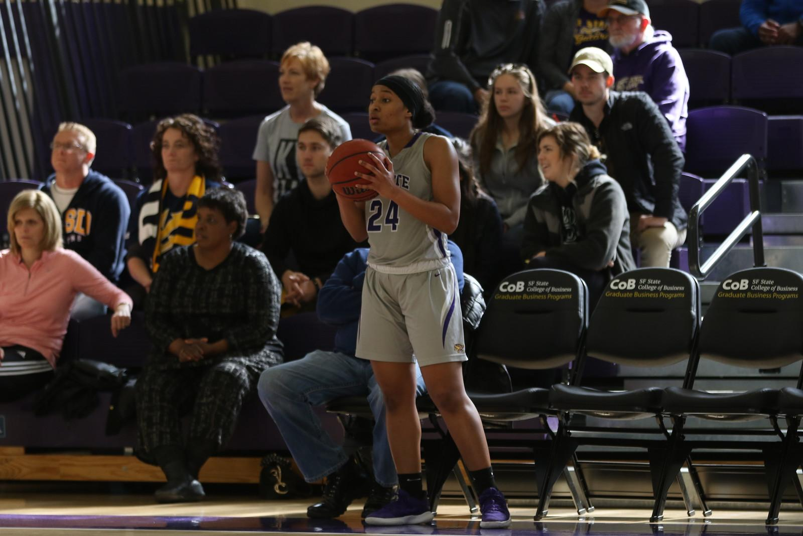Tiebreaker nets women's basketball first playoff appearance since 2013