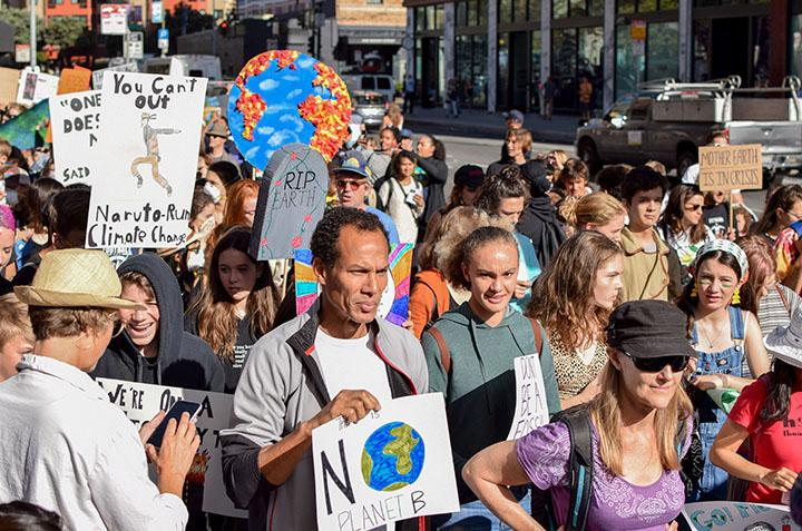 Protestors fill the streets of downtown San Francisco on Sept. 20 at the People's Climate March. (Photo by Leila Figueroa / Golden Gate Xpress)