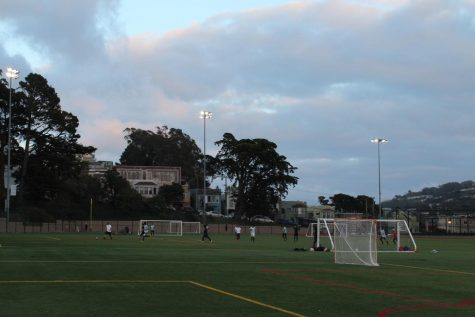 San Francisco residents play soccer at Minnie & Lovie Ward Recreation Center and Park soccer fields on Wednesday evening despite COVID-19 restrictions (Alonso Frias / Golden Gate Xpress).