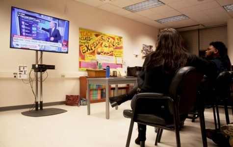 Students watch Super Tuesday results in the Political Science Department on March 3, 2020. (Sandy Scarpa / Golden Gate Xpress)