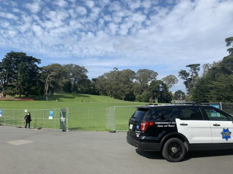 Hippie Hill remained closed due to the COVID-19 outbreak. (Cierra Quintana / Golden Gate Xpress)
