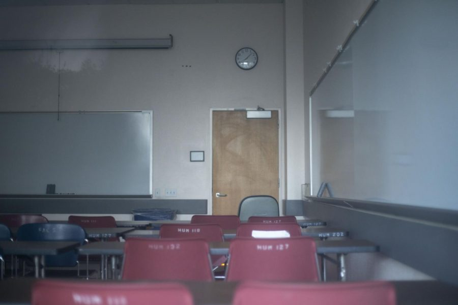 An empty classroom during the last week of class at SF State in San Francisco California. (Emily Curiel / Golden Gate Xpress)