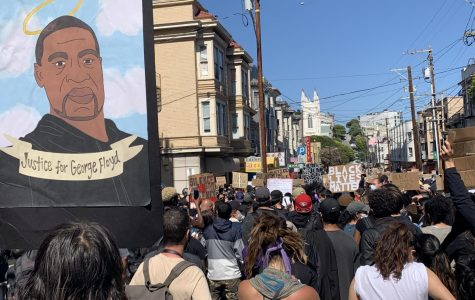 Protestors gather in front of SFPD Central District Police Station. (Cierra Quintana / Golden Gate Xpress)