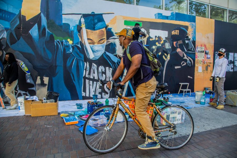 SF State Alum turns Anger into Action: Viral photo becomes mural to celebrate 2020 grads