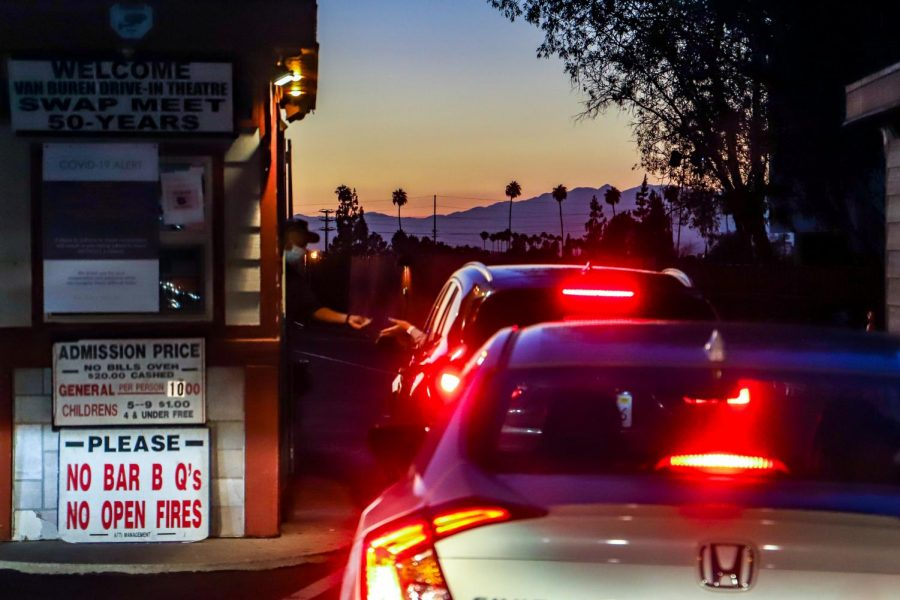 Cars line up to purchase tickets at the Van Buren Drive-in. Tickets cost $10/adult and $1/child at this location. (Camille Cohen/Golden Gate Xpress/Riverside, CA, July 16, 2020)