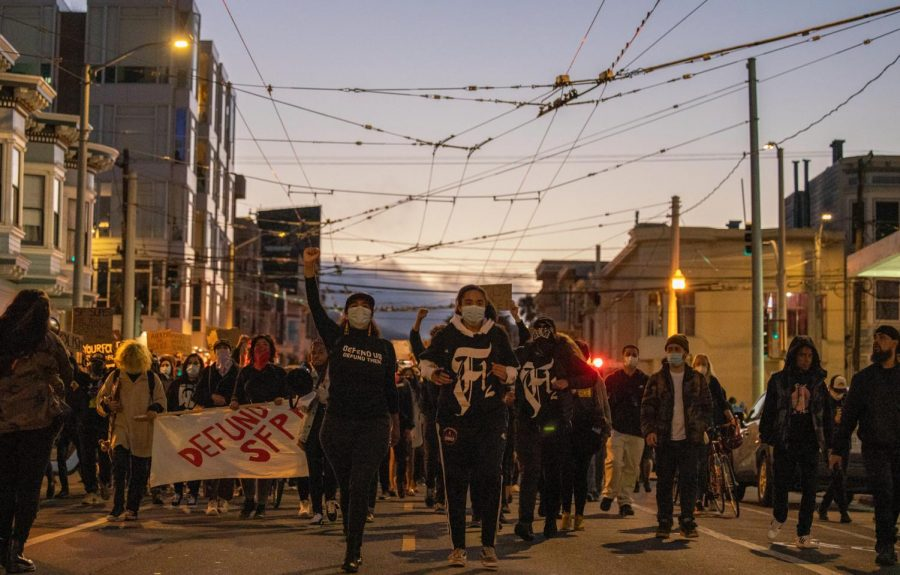 Protesters march down 17th Street in San Francisco after a grand jury verdict decided to not charge any Louisville police officer in the killing of Breonna Taylor on Wednesday Sep. 23, 2020. (Emily Curiel / Xpress Media)