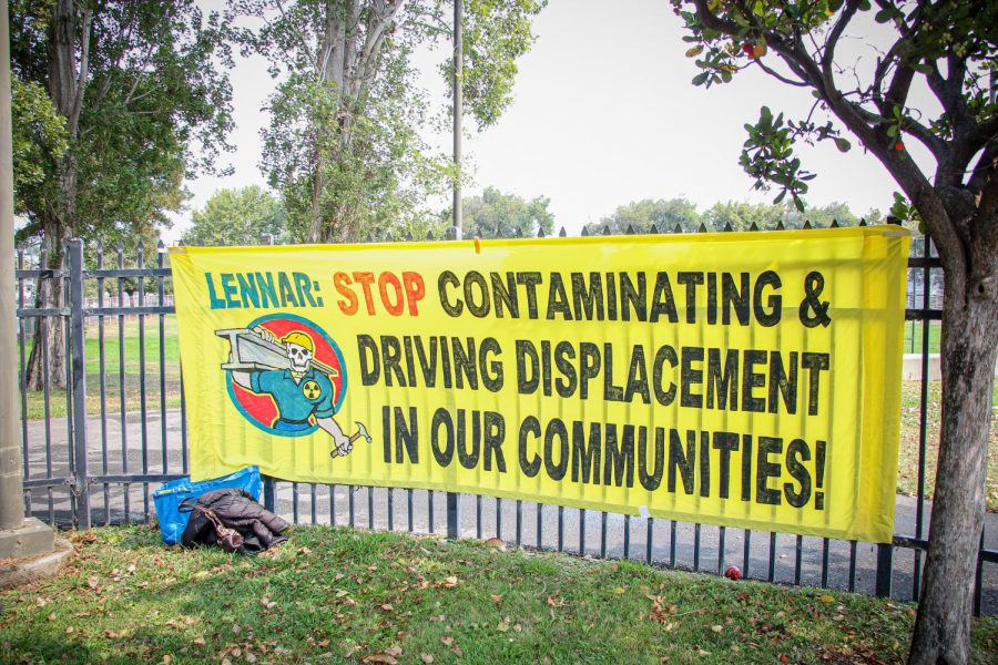 A banner with a message for Lennar Corporation that says,