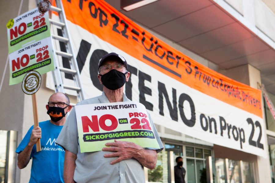 Charles Ministerprotests against Proposition 22 at a demonstration. (Sean Reyes / Golden Gate Xpress)