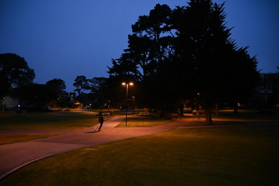 A person walks on an empty SF State campus in August of 2020. (Dyanna Calvario / Golden Gate Xpress)