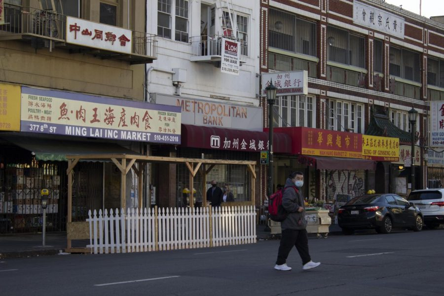 Various establishments in a marketplace in Oakland's Chinatown on February 25. Chinatown has seen an increase in security after many Asian Americans have suffered from crimes against them. (Katherine Burgos / Golden Gate Xpress)