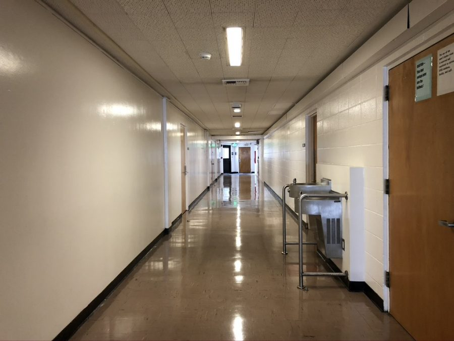 An empty hallway inside SF State's Gymnasium on Nov. 7, 2019. The number of in-person classes being offered in the Fall 2021 semester is dependent on the student demand for them. (Samantha Laurey / Golden Gate Xpress)